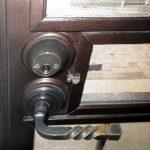 Inspecting Screen Security Doors